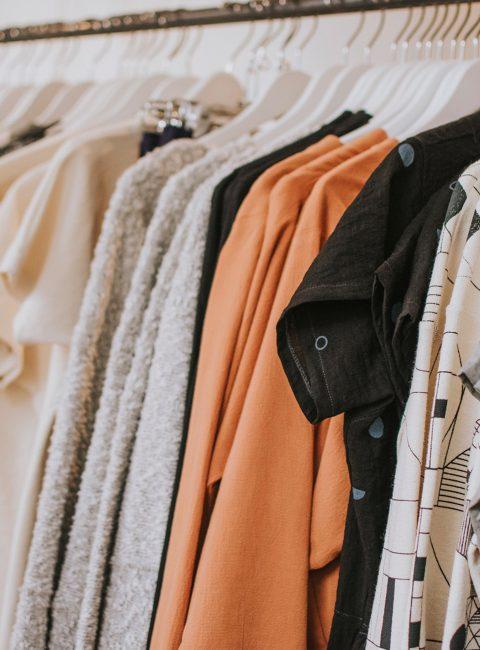 Soldes d'été 2020, vêtements à prix réduits pour plus tard